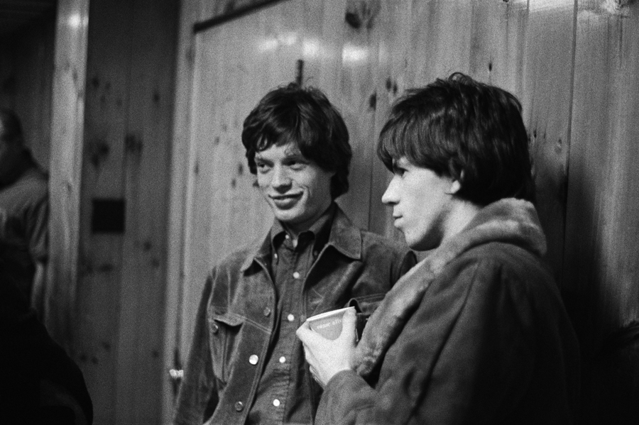 Mick Jagger & Keith Richards backstage USA 1965 © Gered Mankowitz